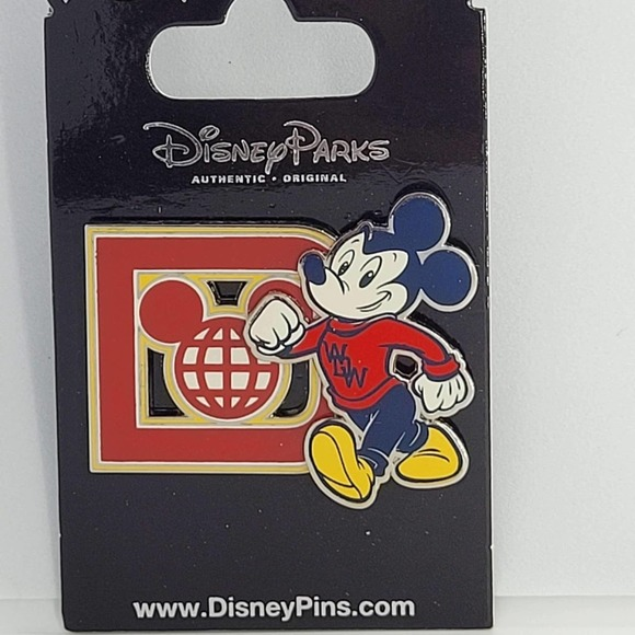 Disney authentic Mickey Mouse pin